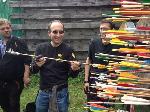 Bogenschießen: Ein Schaftspalter freut sichh über einen Robin Hood